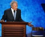 El show de Clint Eastwood eclipsó a Romney y desató una lluvia de críticas de Hollywood.