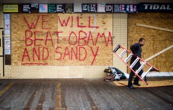Rehoboth Beach, Delaware. Nueve Estados de la costa Este y el Distrito de Columbia han declarado el estado de emergencia por la llegada del huracán Sandy. Foto: Jim Watson/AFP.