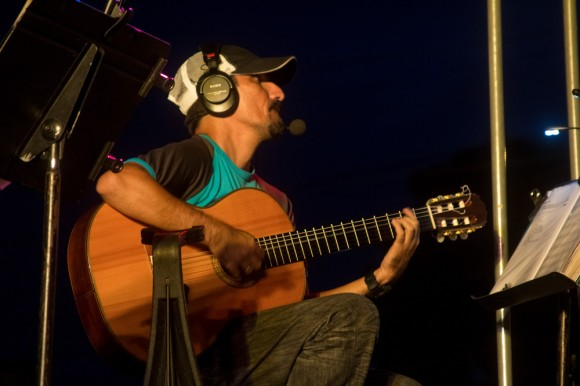 El maestro Rachid López, tocando para su gente. Foto: Jorge Ramírez.