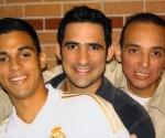 Antonio Guerrero con sus hijos Gabriel y Tony; 16 de octubre de 2011. FCI Florence.