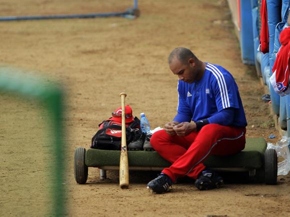 Entrenamiento rumbo al Clásico Mundial de Béisbol.  Michel Enriquez. Foto: Ismael Francisco/Cubadebate.