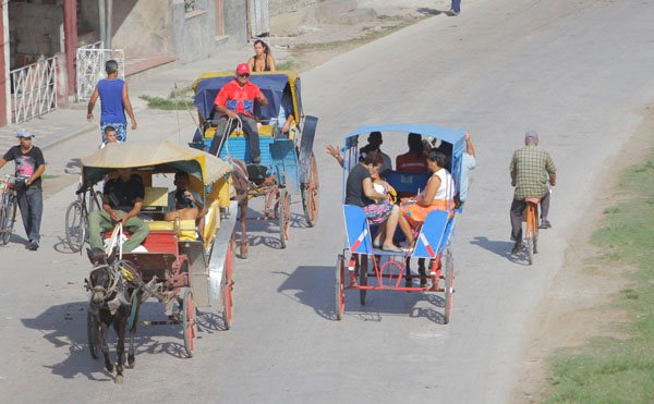 Fijan en Bayamo precios de transportación por coches