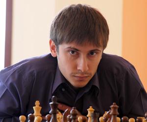"Jakovenko, un ""hueso"" ante el tablero."