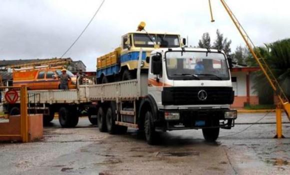 Los linieros trabajan para la recuperación de las provincias orientales afectadas por el Huracán Sandy