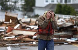 Daños de tormenta Sandy en EEUU pueden crear caos el día de las elecciones