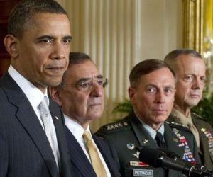 Obama junto a Panetta, Petraeus y Allen. Foto: Archivo/El País.