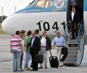 Llegada a La Habana de la delegación del Gobierno de Colombia para participar en el proceso de diálogo de paz con las FARC-EP.