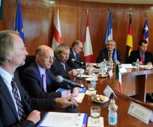 Comisión Europea reunida.