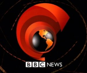 BBC paga a sus estrellas masculinas cinco veces más que a presentadoras. Foto: Archivo.