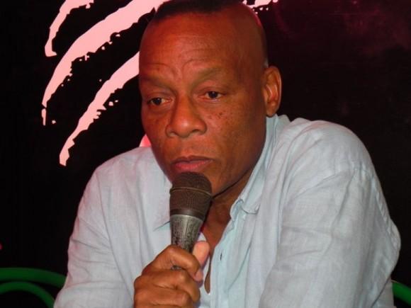 Elito comentó que el concierto tiene como principal motivación,  recaudar fondos para el pueblo de Santiago de Cuba, cuna del Son, que fue afectado por Sandy. Foto. Marianela Dufflar.