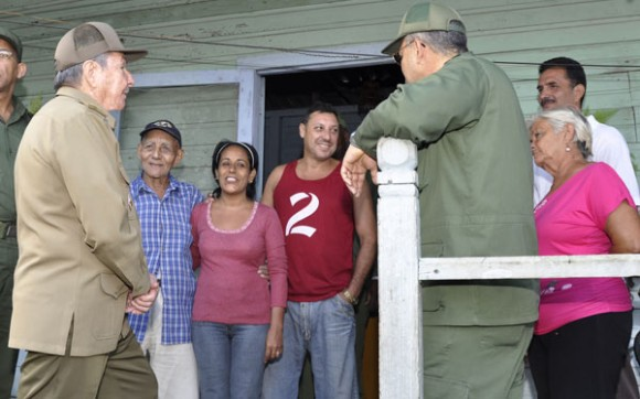 """En el Consejo Popular """"Costa Rica"""" visitó la casa de """"Monona"""", donde vivió junto a Vilma las emociones del Triunfo revolucionario del Primero de Enero de 1959. Foto: Estudios Revolución"""