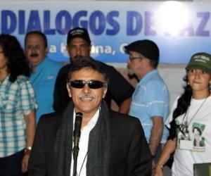 Las insurgentes Fuerzas Armadas Revolucionarias de Colombia-Ejército del Pueblo (FARC-EP) valoraron este martes positivamente la marcha de las conversaciones de paz que sostienen en La Habana con el Gobierno de ese país.
