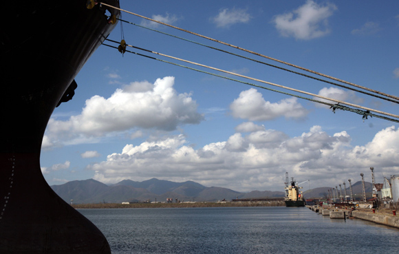 Puerto de Santigo de Cuba. Foro: Ismael Francisco/Cubadebate.