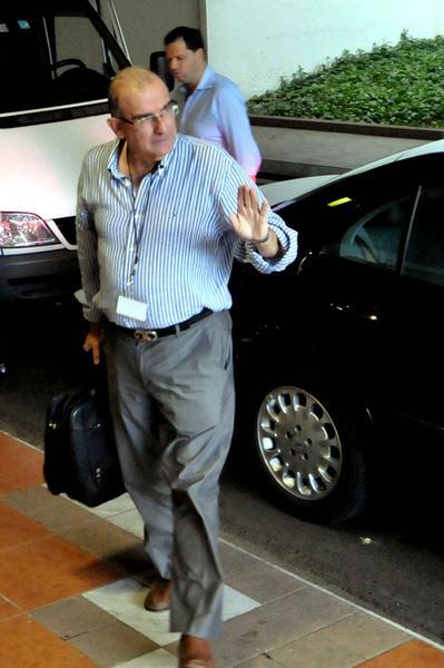 Humberto de la Calle, jefe de la delegación del Gobierno colombiano, a su llegada al Palacio de las Convenciones. 19 de diciembre de 2012. Foto: Marcelino Vázquez/AIN.