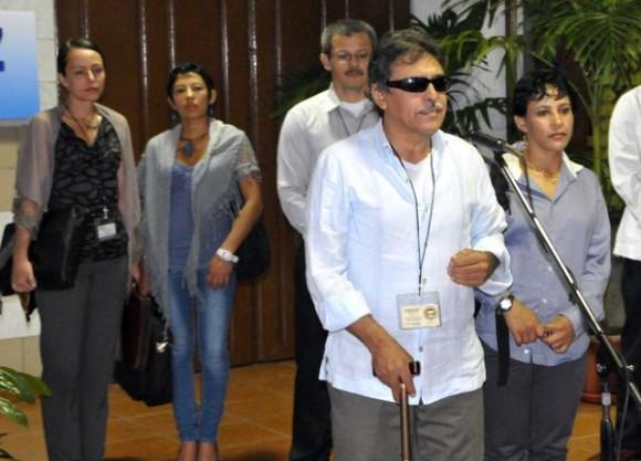 El Comandante Jesús Santrich, representante de las FARC-EP. Foto: Marcelino Vázquez/AIN.