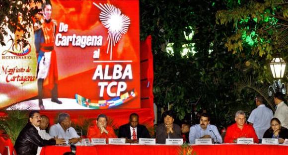 Acto por los ocho años de la creación de la Alianza Bolivariana para los Pueblos de América (ALBA), además de  los 200 años del manifiesto de Cartagena, los 13 años de la aprobación popular de la constitución bolivariana, y los 18 años del primer encuentro entre el Comandante Fidel Castro y el Comandante Hugo Chávez, celebrado en la Plaza Bolívar de Caracas, Venezuela, el 15 de diciembre de 2012. AIN   FOTO/José M. CORREA ARMAS/Periódico Grama/