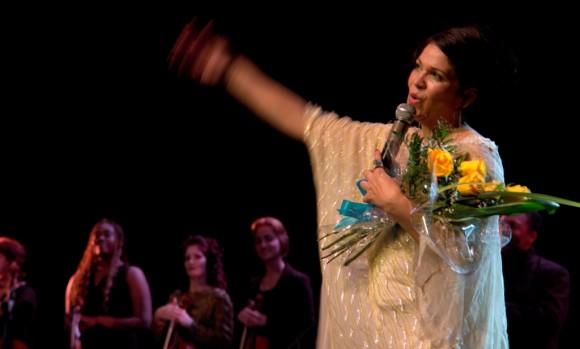 Ivette Cepeda en el concierto de fin de año en el Teatro Mella. Foto Daylén Vega/Cubadebate