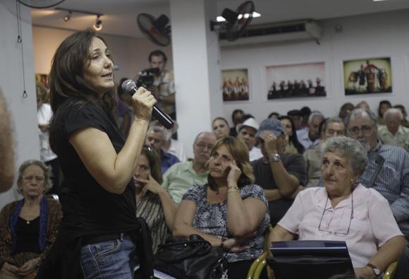 Mariela  Castro, intervine durante el  encuentro de artistas e itelectuales cubanos, por la Libertad de los Cinco. Foto: Ismael Francisco/Cubadebate.