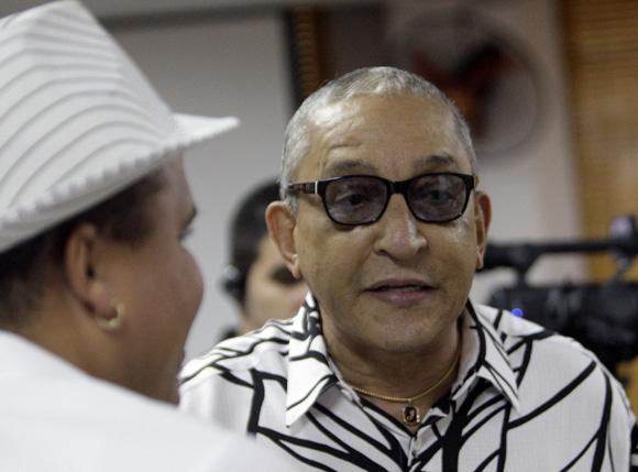 Juan Formell durante el  encuentro de artistas e itelectuales cubanos, por la Libertad de los Cinco. Foto: Ismael Francisco/Cubadebate.