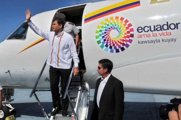 Correa llega a La Habana a solidarizarse con Hugo Chávez. Foto: Ricardo López Hevia