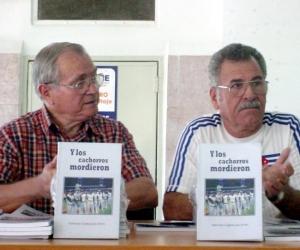 """Presentación del libro """"Y Los Cachorros mordieron"""". FOTO: Elder Leyva"""