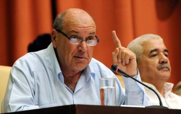 Danilo Sirio López, Presidente del Instituto Cubano de Radio y Televisión (ICRT), durante la presentación del informe de dicho organismo, en sesión plenaria, previa al 10mo Periodo Ordinario de Sesiones de la Séptima Legislatura de la Asamblea Nacional del Poder Popular, en el Palacio de las Convenciones, en La Habana, Cuba, el 12 de diciembre de 2012.   AIN FOTO/Omara GARCÍA MEDEROS