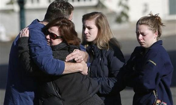 Ante el dolor dejado por la masacre de Connecticut la respuesta de muchos ha sido comprar más armas