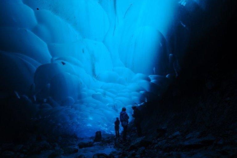 nat4glacial-cave-jpg-161643-jpg_142852