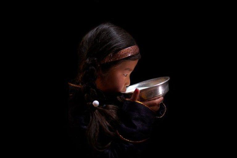 nat6young-girl-drinking-mares-milk-jpg-161657-jpg_142811