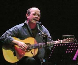 Silvio ofrece concierto por centenario de Partido Comunista de Chile