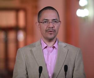 Ministro para la Comunicación e Información, Ernesto Villegas.