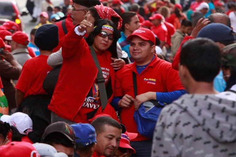 Venezolanos se movilizan hacia Miraflores. FOTO: AVN
