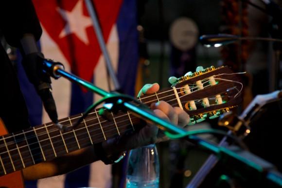 La guitarra del joven soldado. Foto: Alejandro Ramírez Anderson.