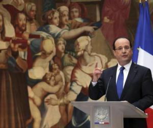 El presidente francés al anunciar la intervención en Mali.. Foto Archivo