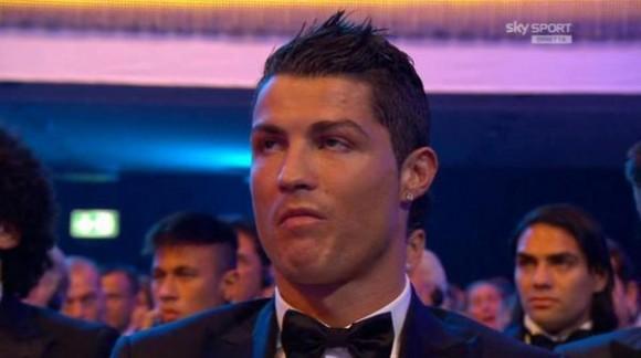 Cristiano Ronaldo tras saber que Messi era el ganador.