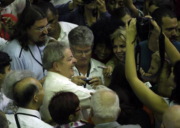 """Luiz Inacio Lula da Silva en la presentación del libro """"Los últimos soldados de la guerra fría"""". FOTO: Ismael Francisco/CUBADEBATE"""