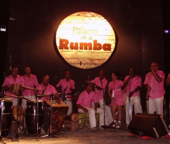 Excelentes resultaron las interpretaciones de Rumbatá este vieres en el Palacio de la Rumba. Foto. Marianela Dufflar/Cubadebate