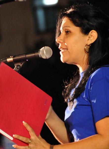Intervención Yuniasky Crespo Baquero, Primera Secretaria de la Unión de Jóvenes Comunistas (UJC),, durante la tradicional Marcha de las Antorchas,  desde la escalinata de la Universidad de La Habana hasta la Fragua Martiana, el 27 de enero de 2013, para recordar al Héroe Nacional, José Martí,  en vísperas del aniversario 160 de su natalicio.  AIN FOTO/Marcelino VÁZQUEZ HERNÁNDEZ