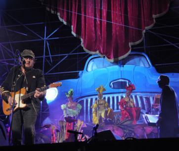 Zucchero se entregó generosamente durante más de dos horas de concierto, sin mermar en ningún momento la rigurosidad artística