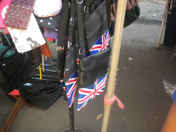 Carterita con bandera británica