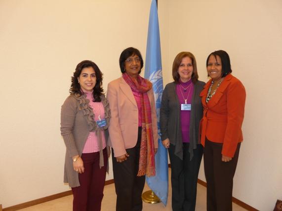 Olga y Adriana junto a la Alta Comisionada de DDHH 2013 02 28. Foto: EMBACUBA en Ginebra