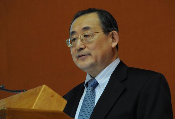 Sesiona en el Palacio de Convenciones Pedagogía 2013. Conferencia de Qian Tang Subdirector General de la UNESCO. Foto: Ismael Francisco/Cubadebate.