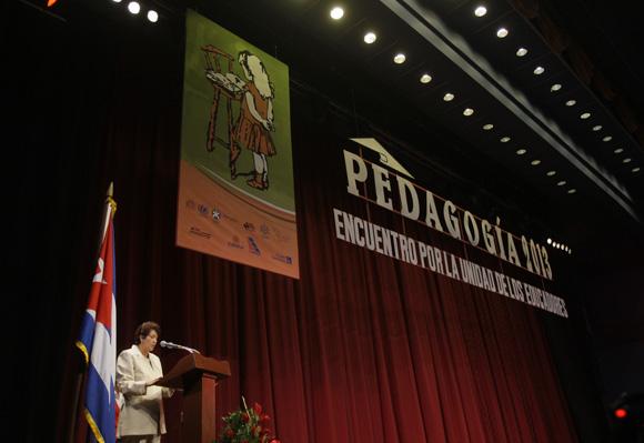 Apertura de Pedagogía 2013, intervención de la Ministra de Educación de Cuba Ana Elsa Velazquez. Foto: Cubadebate/Ismael Francisco