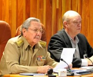 Raúl Castro y Rodrigo Malmierca.