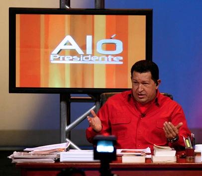 19 de agosto de 2007. Hugo Chávez graba una edición de su programa de televisión 'Aló Presidente'. © AFP Servicio de Prensa Presidencial / HO