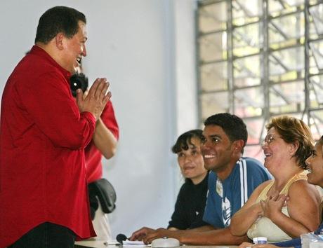4 de diciembre de 2005. Elecciones legislativas. El oficialismo gana todos los cargos de la Asamblea Nacional (Parlamento). © AFP Andrew Alvarez