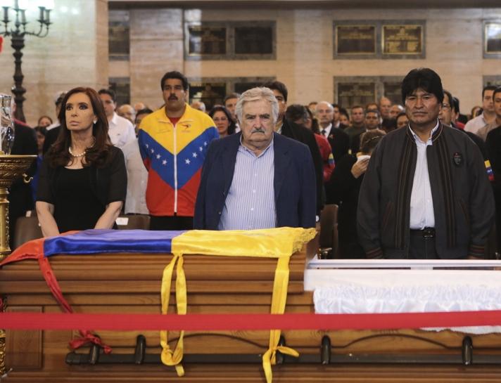 Cristina, Mujica y Evo rindieron tributo a Chávez el 6 de marzo en la Academia Militar. Foto: Reuters