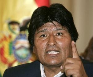 Evo Morales cuestiona regalo de EEUU para combatir narcotráfico
