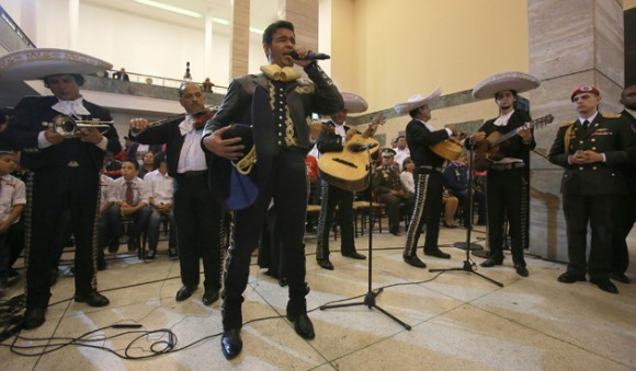 El cantante mexicano Pablo Montero unió su voz al homenaje a Chávez
