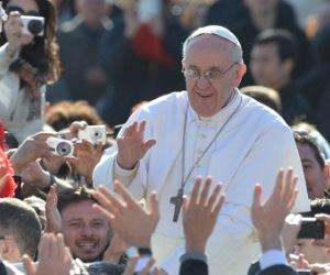 Inaugura Papa Francisco con una misa su primera Semana Santa